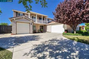 Photo of 30 Coral Bell Ct, OAKLEY, CA 94561 (MLS # 40884162)