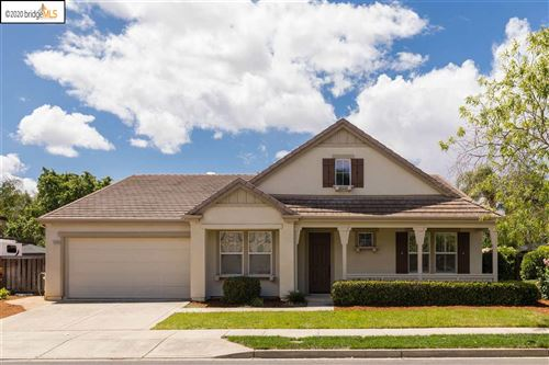 Photo of 1026 Meadow Brook Dr, BRENTWOOD, CA 94513 (MLS # 40906162)