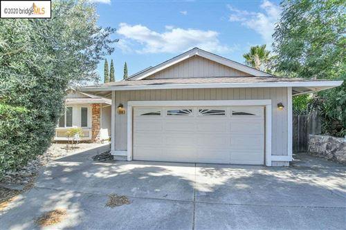 Photo of 816 Donham Ct, ANTIOCH, CA 94509 (MLS # 40911163)