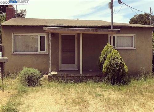 Photo of 9429 Bancroft Ave, OAKLAND, CA 94603 (MLS # 40912163)