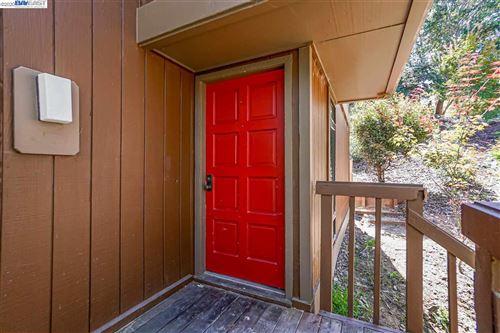 Photo of 2028 Oak Creek Place, HAYWARD, CA 94541 (MLS # 40922163)