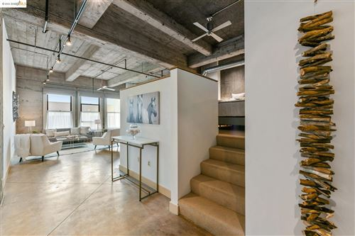 Photo of 201 4th St #407, OAKLAND, CA 94607-5401 (MLS # 40967163)