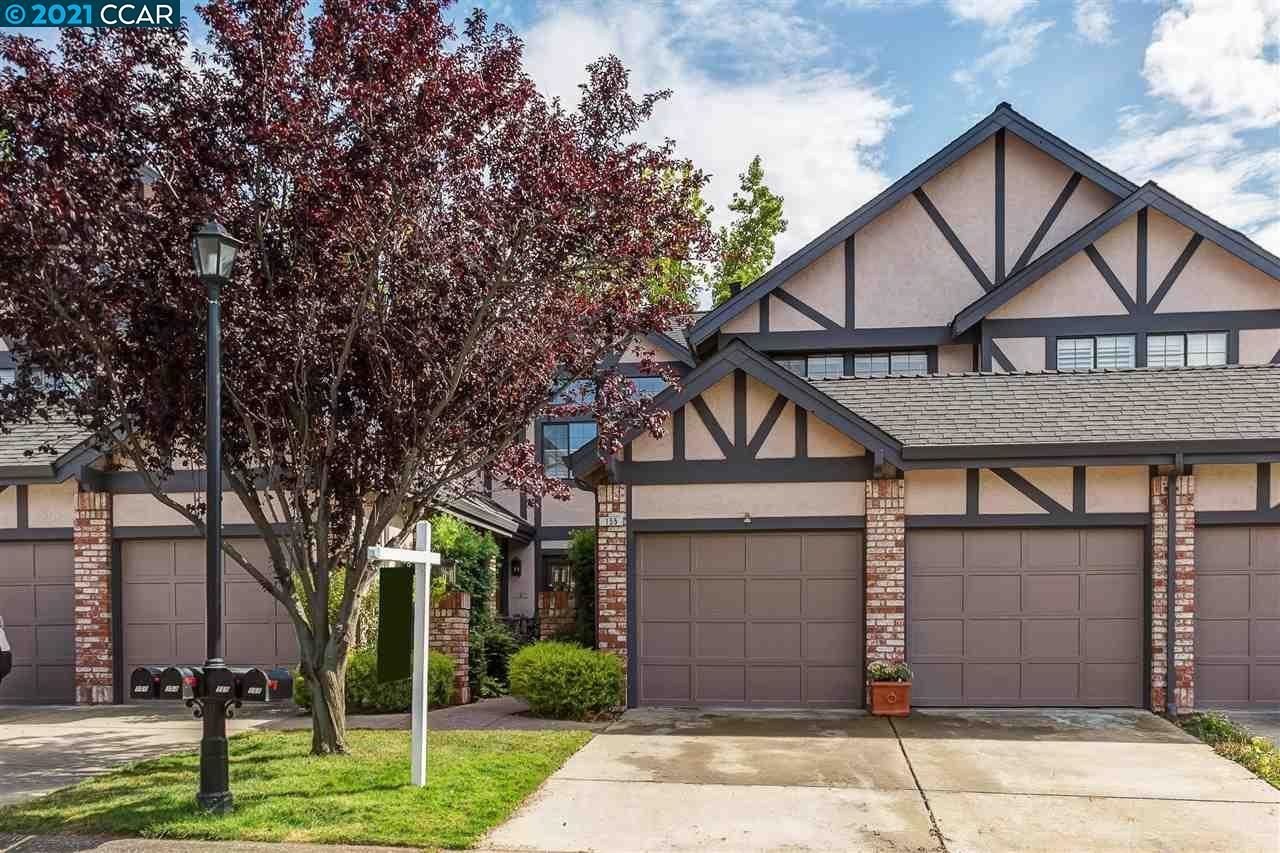 Photo of 155 Haslemere Ct, LAFAYETTE, CA 94549 (MLS # 40961163)