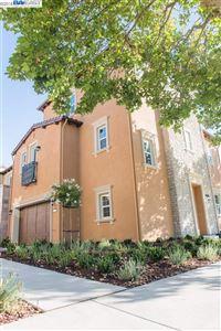 Photo of 5011 Ivyleaf Springs Rd, SAN RAMON, CA 94582 (MLS # 40833164)