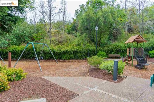 Tiny photo for 905 Arrowhead Ter, CLAYTON, CA 94517 (MLS # 40900164)