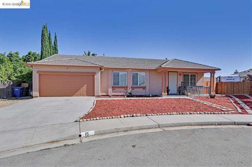 Photo of 15 Mill Springs Ct, PITTSBURG, CA 94565 (MLS # 40960167)