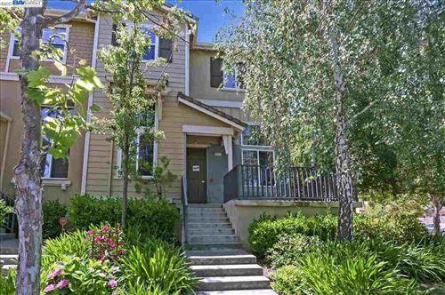 Photo of 6111 Yardley Ln, SAN RAMON, CA 94582 (MLS # 40954168)