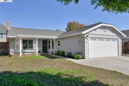 Photo of 9050 Freeman Ct, GILROY, CA 95020 (MLS # 40927169)
