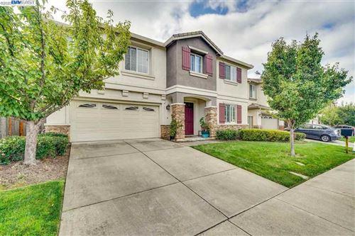 Photo of 418 Wood Glen Drive, RICHMOND, CA 94806 (MLS # 40927175)