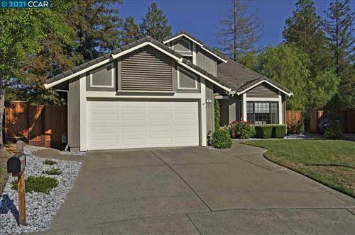 Photo of 22 Pineview Ct, PLEASANT HILL, CA 94523 (MLS # 40960175)