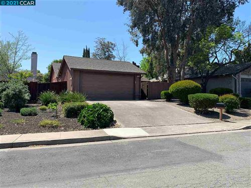 Photo of 2257 Lynbrook Dr, PITTSBURG, CA 94565 (MLS # 40945176)
