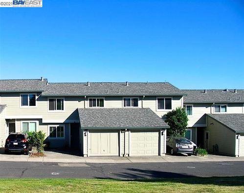 Photo of 25083 Oakridge CT, HAYWARD, CA 94541 (MLS # 40955176)