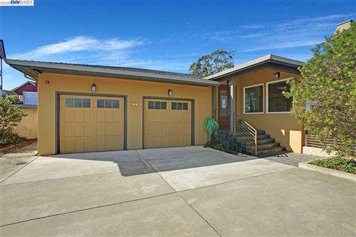 Photo of 2 Hana Vista Ln, DALY CITY, CA 94014 (MLS # 40927177)