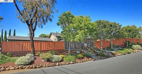 Photo of 4804 Seaview Ave, CASTRO VALLEY, CA 94546 (MLS # 40906178)