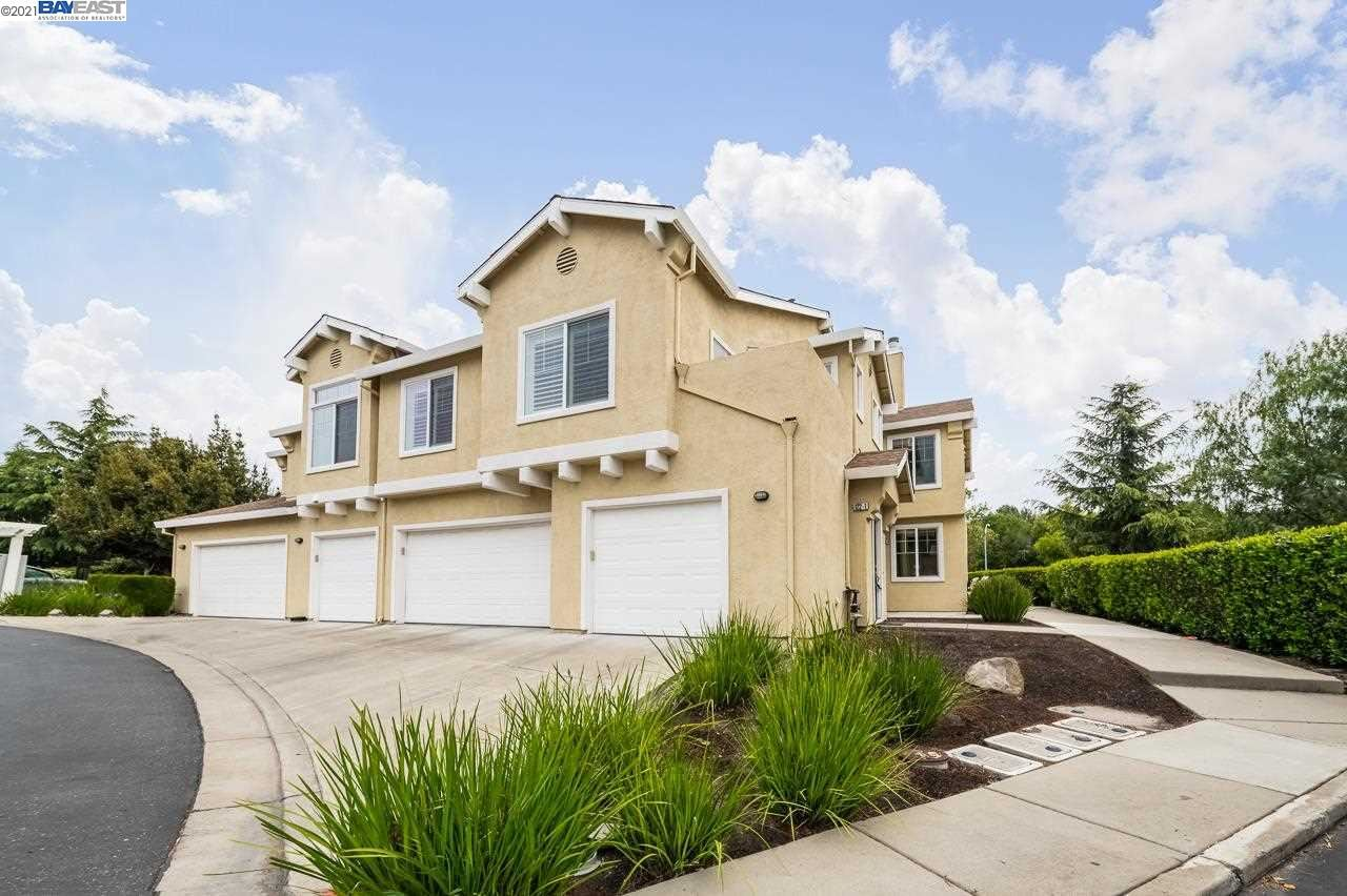 Photo of 122 Wildrose Cmn #1, LIVERMORE, CA 94551 (MLS # 40949178)