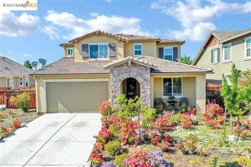 Photo of 50 Prescott Cir, OAKLEY, CA 94561 (MLS # 40949179)