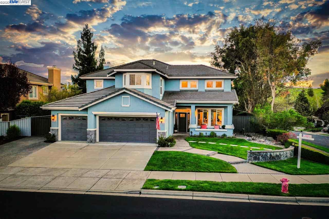 Photo for 3617 Thornhill Dr, LIVERMORE, CA 94551 (MLS # 40900179)