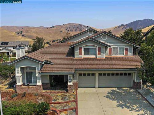 Photo of 1145 Peacock Creek Dr, CLAYTON, CA 94517 (MLS # 40917180)