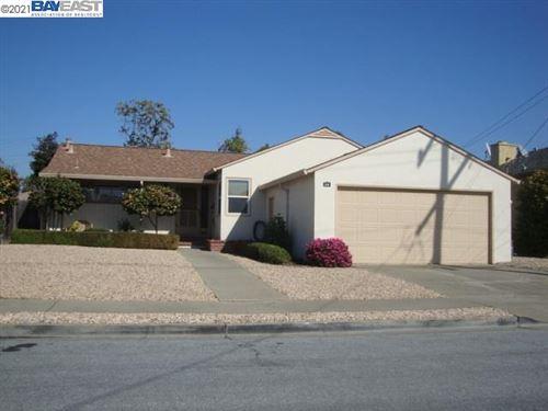 Photo of 936 Castle St, SAN LEANDRO, CA 94578 (MLS # 40940181)