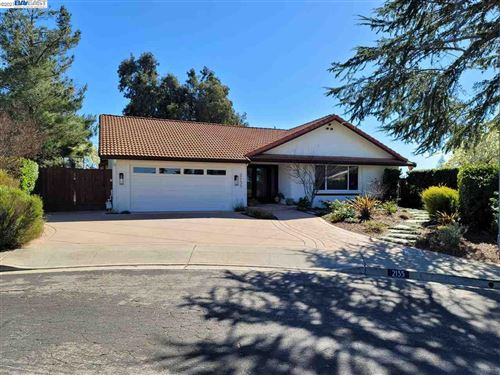 Photo of 2135 Farmington Pl, LIVERMORE, CA 94550 (MLS # 40939183)