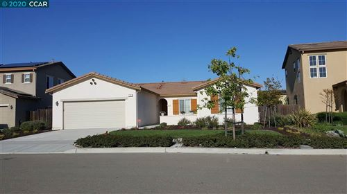 Photo of 719 Kineo Court, OAKLEY, CA 94561 (MLS # 40901184)