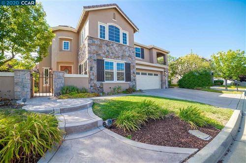 Photo of 955 Rosehedge Ct, CONCORD, CA 94521 (MLS # 40915184)
