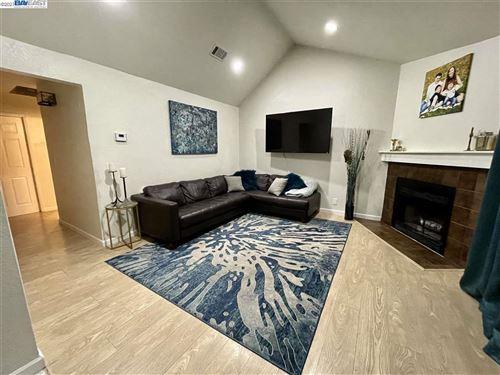 Photo of 651 Center Ave, MARTINEZ, CA 94553 (MLS # 40933184)