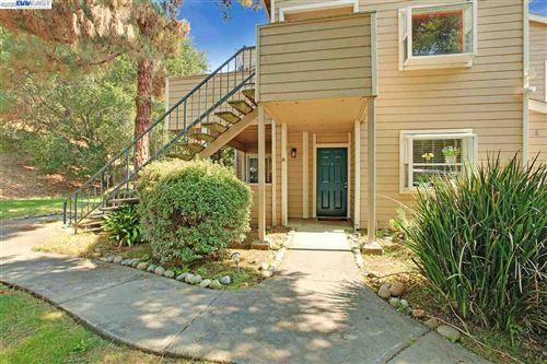 Photo of 720 Canyon Oaks Dr #B, OAKLAND, CA 94605 (MLS # 40922185)
