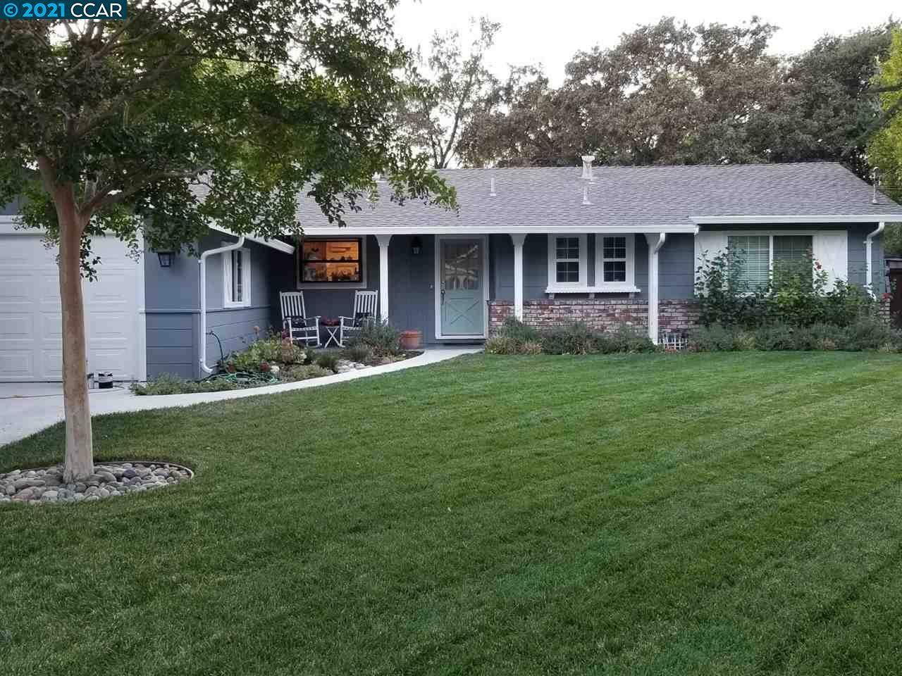 Photo for 136 Greenwood Cir, WALNUT CREEK, CA 94596 (MLS # 40935186)