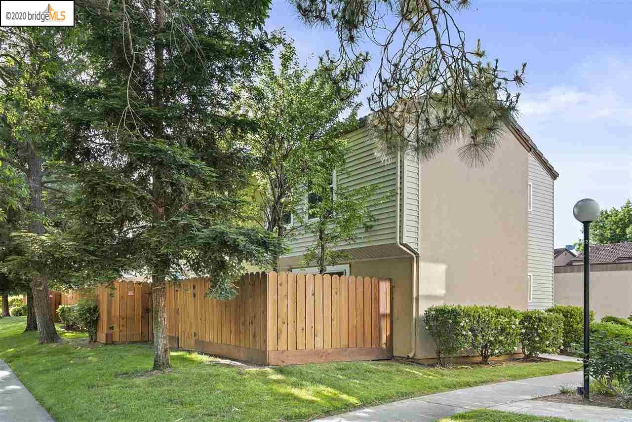 Photo of 1403 Bel Air Dr. #A, CONCORD, CA 94521 (MLS # 40906188)