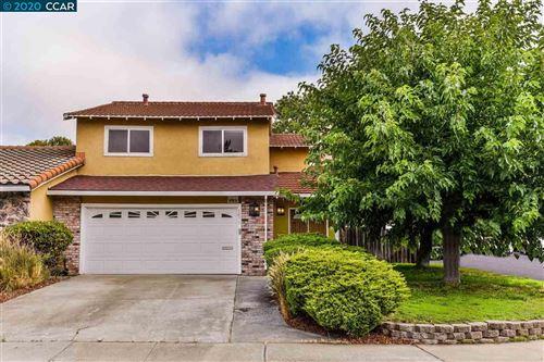 Photo of 1611 Beechwood Drive, MARTINEZ, CA 94553 (MLS # 40915193)