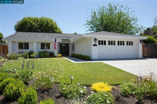 Photo of 110 Lehigh Valley Pl, DANVILLE, CA 94526 (MLS # 40955193)