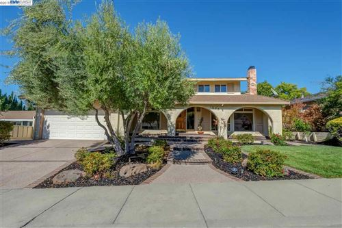 Photo of 1235 Vintner Way, PLEASANTON, CA 94566 (MLS # 40889195)