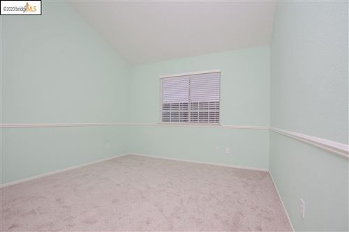 Tiny photo for 352 BLUE OAK LN, CLAYTON, CA 94517 (MLS # 40900196)