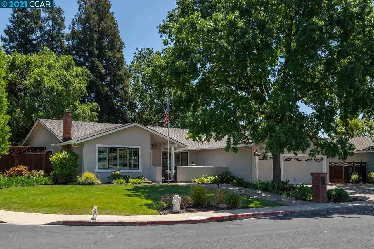 Photo of 2081 Stratton Rd, WALNUT CREEK, CA 94598 (MLS # 40949197)