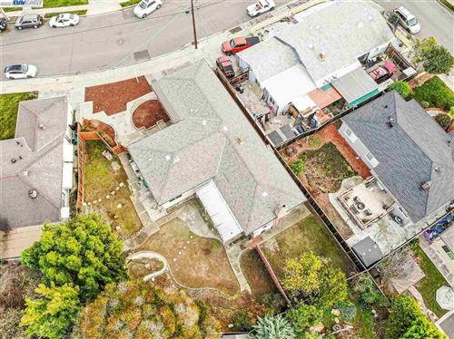 Photo of 26483 Montana Way, HAYWARD, CA 94544 (MLS # 40935198)