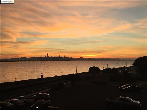Photo of 2 Anchor Drive #F378, EMERYVILLE, CA 94608 (MLS # 40889199)