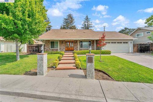 Photo of 916 Dartmouth, CONCORD, CA 94518 (MLS # 40922199)