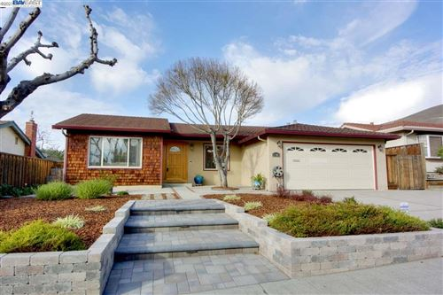 Photo of 2285 Lacey Dr, MILPITAS, CA 95035 (MLS # 40935201)