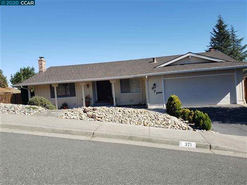 Photo of 371 Calle La Montana, MORAGA, CA 94556 (MLS # 40926202)