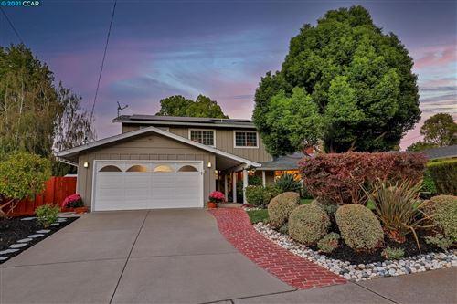 Photo of 130 Conifer Ln, WALNUT CREEK, CA 94598 (MLS # 40965205)