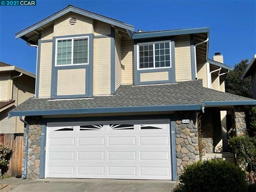 Photo of 21438 Justco Ln, CASTRO VALLEY, CA 94552 (MLS # 40940209)