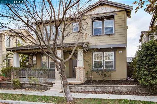 Photo of 434 W Moraga St, MOUNTAIN HOUSE, CA 95391 (MLS # 40932210)