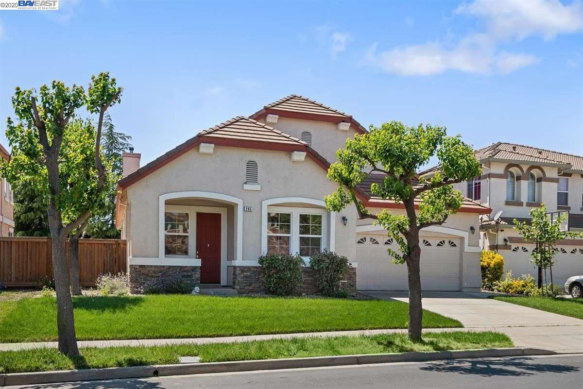 Photo of 295 Pebble Beach Dr, BRENTWOOD, CA 94513-7087 (MLS # 40904212)