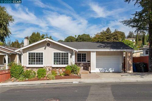 Photo of 2161 Monterey Ave, MARTINEZ, CA 94553 (MLS # 40924213)