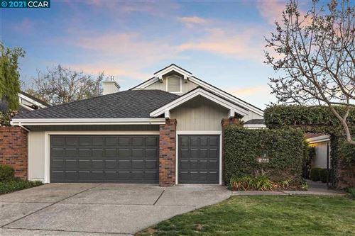 Photo of 3033 Live Oak Ct, DANVILLE, CA 94506 (MLS # 40944213)