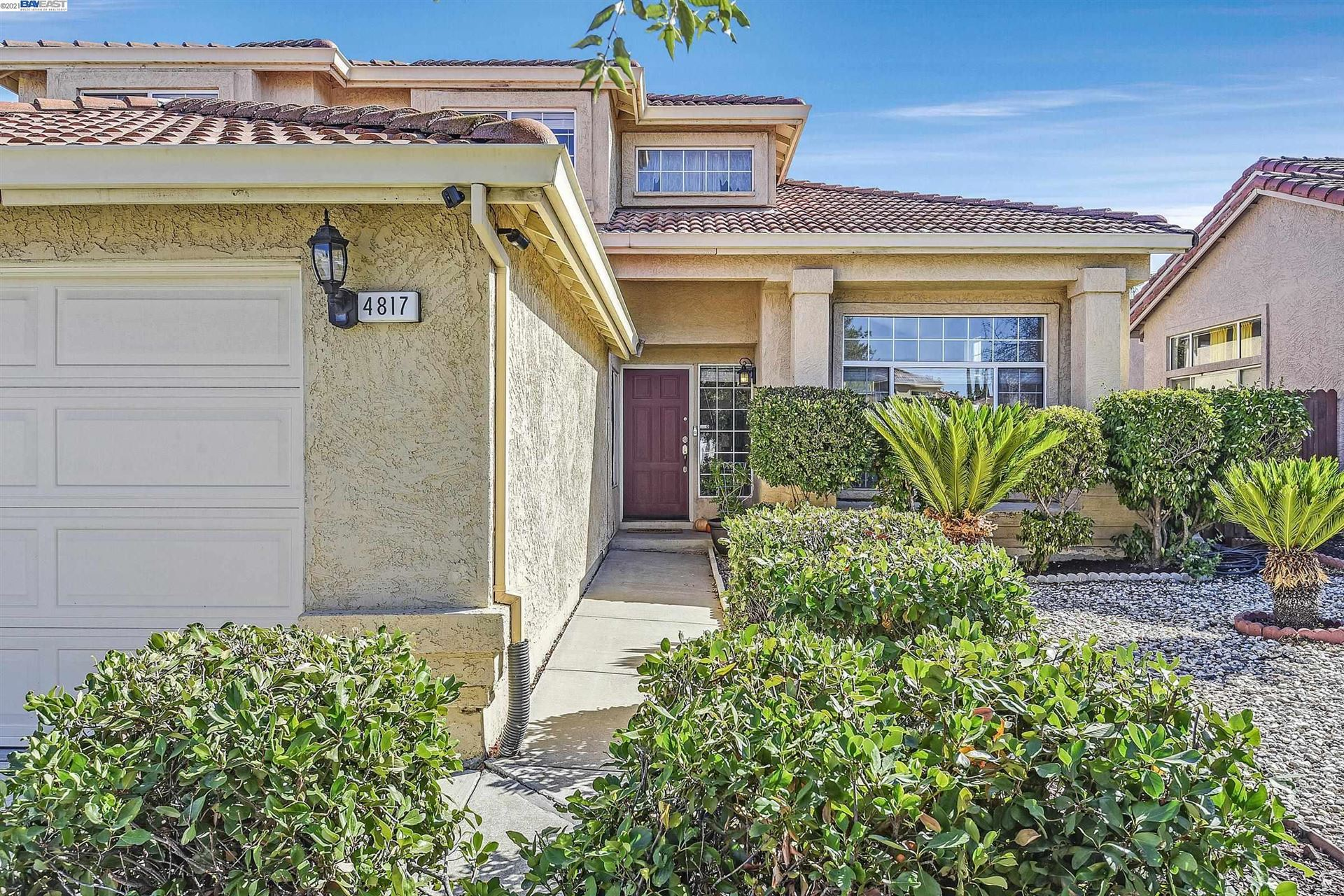 Photo of 4817 Chism Way, Antioch, CA 94531 (MLS # 40971214)