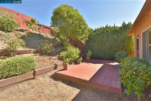 Tiny photo for 4836 Larimer Way, CASTRO VALLEY, CA 94546 (MLS # 40922217)