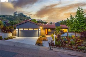 Photo of 614 Caldwell Rd, OAKLAND, CA 94611 (MLS # 40874218)