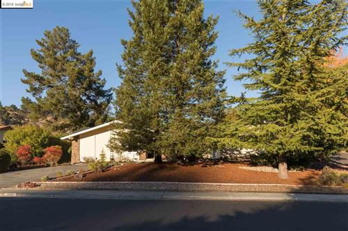 Photo of 3866 Paseo Grande, MORAGA, CA 94556 (MLS # 40890219)